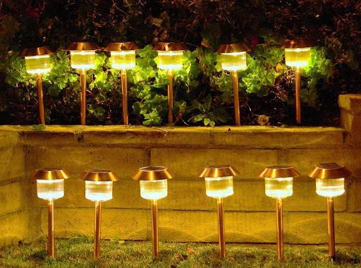 10 Best Solar Landscape Lights for Money in 2021